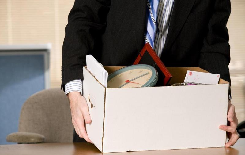 Как рассчитать и учесть долг работника за неотработанные дни отпуска при увольнении